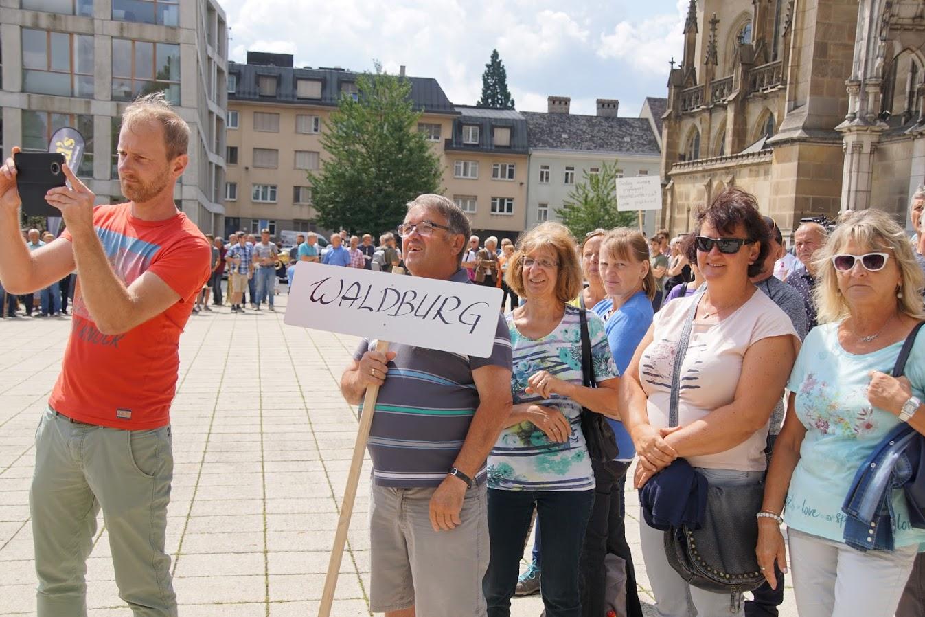 kundgebungsmarsch-linz-iglm-waldburg