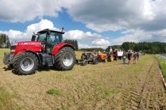 Aufstellung-Traktorkonvoi